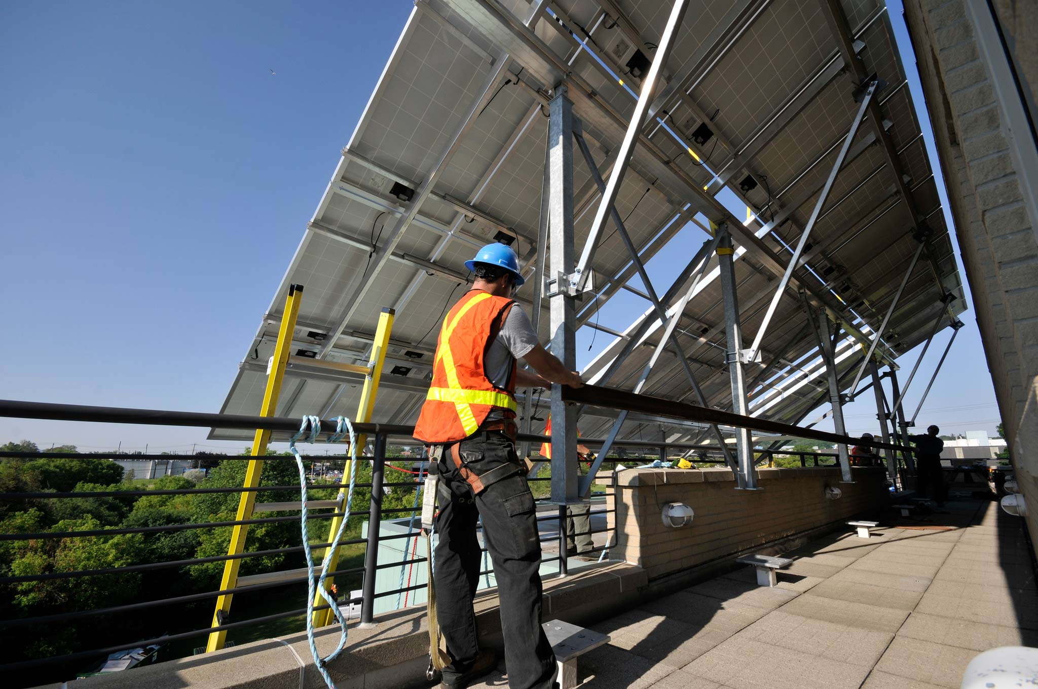 arcadian projects custom rooftop solar installation